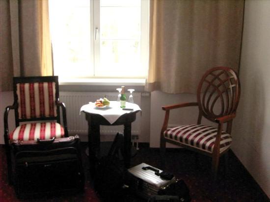 Hotel Prinzenpalais: Sitzecke Zimmer 252