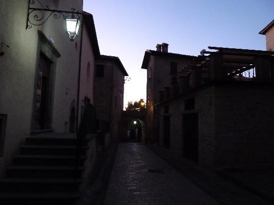 La Locanda del Capitano: dusk in Montone