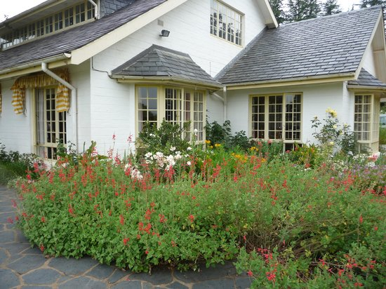 Cedar Garden Bed & Breakfast