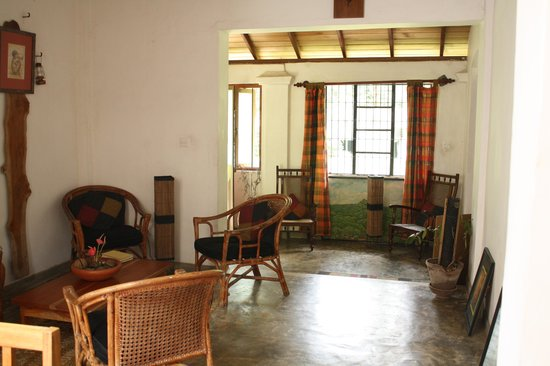 Kandy Cottage: common area