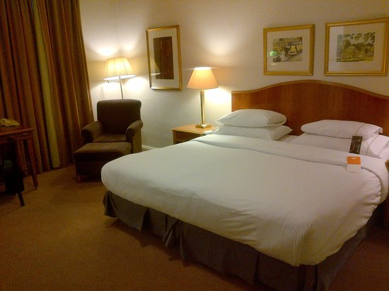 Sheraton Grand London Park Lane: Room and Bed