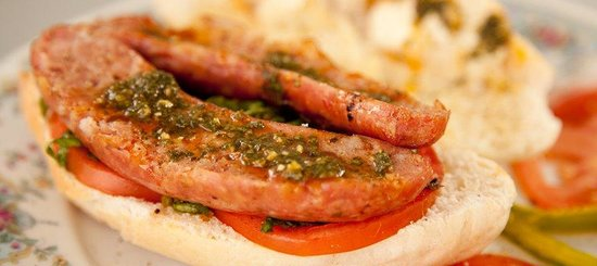 El Novillo Alegre: Typical Choripan. Sausage and toast bread