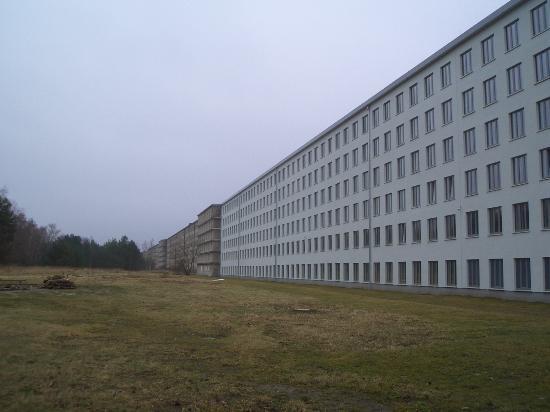 KdF - Koloss von Rügen: renovierter Jugendherberge-Teil