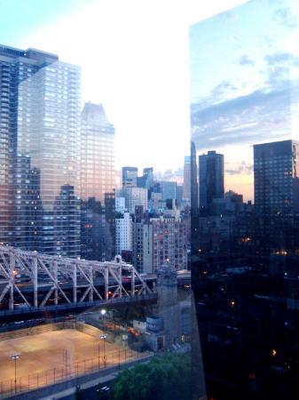 The Bentley Hotel: une vue en fin de soirée !