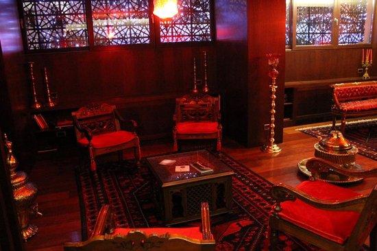 Burckin Suites Hotel: lobby 1