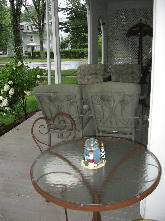 Kingston, RI: In spring, summer, and autumn, guests may also dine on the porch.