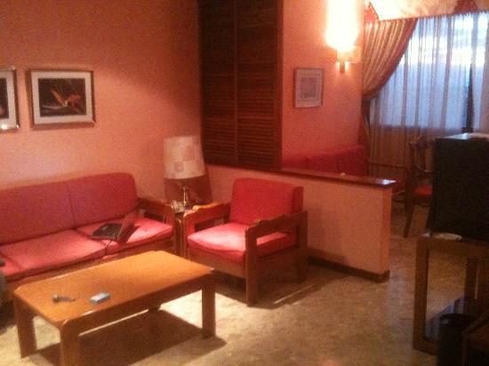 Suites Hotel - Foxa 25: Dall'ingresso