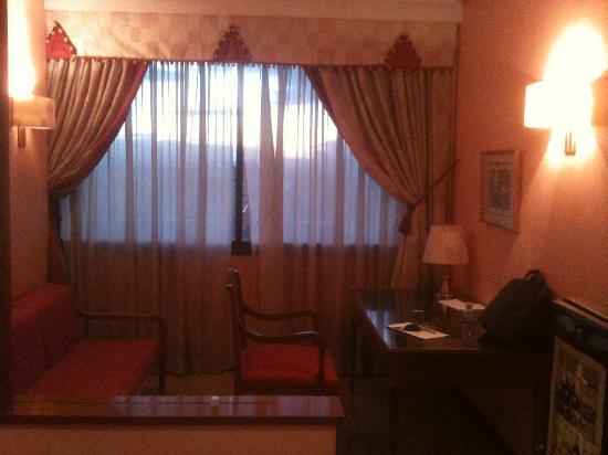 Suites Hotel - Foxa 25: Studio