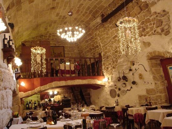 Ottima illuminazione foto di ristorante antiche mura polignano a