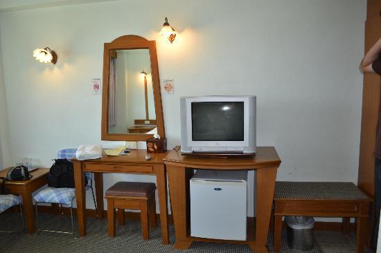 City Hotel: Quarto