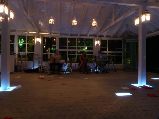 Greek Night at Ta Nissia