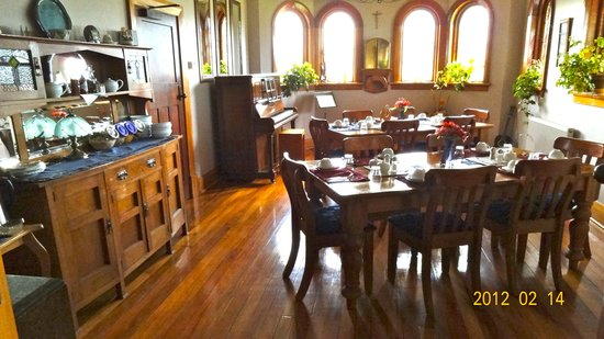 Te Anau Lodge: Dining room