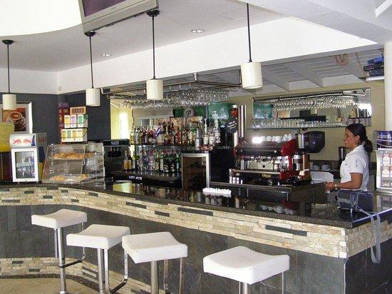 Bologna Ristorante Pizzeria : Bologna bar cafe