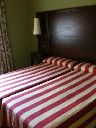 Husa Urogallo : habitación del hotel urogallo