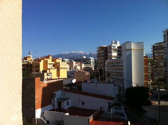 BQ Andalucia Beach Hotel : view from balcony with snow on the mountains