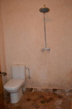 Riad Linda: El grifo de ducha en medio de la habitación