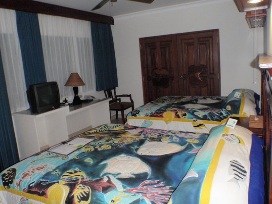 Manta Ray Bay Resort: French angelfish room