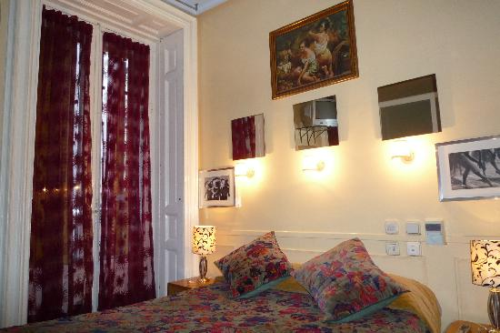 Hostal La Fontana: habitacion doble matrimonial