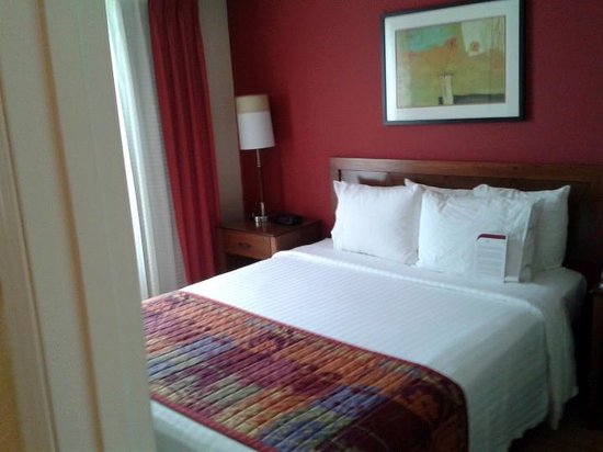 Residence Inn Houston The Woodlands/Market Street: No problem getting sleep here