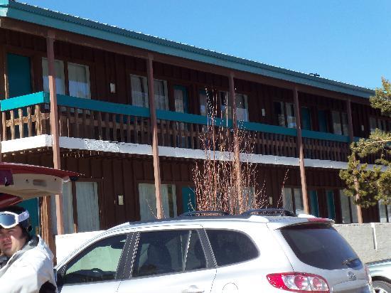 Sunrise Park Hotel: Outside Lodge