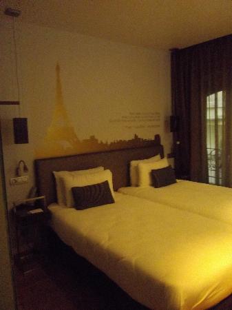 Eurostars Panorama Hotel: Chambre avec vue sur la tour eiffell