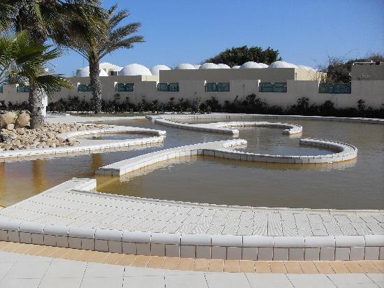 Hasdrubal Thalassa & Spa Djerba : la piscine thermale d'eau ferrugineuse