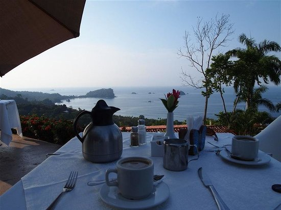 La Mariposa Hotel: Breakfast with a view