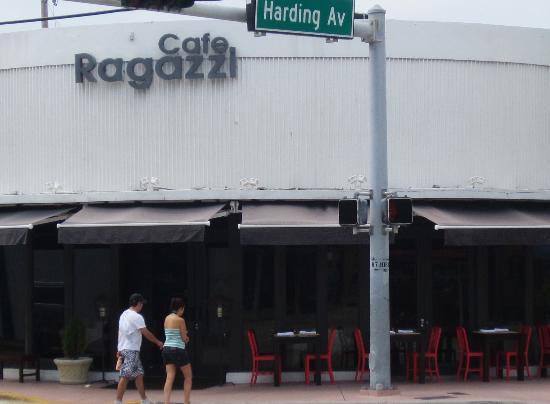 Cafe Ragazzi : Exterior view