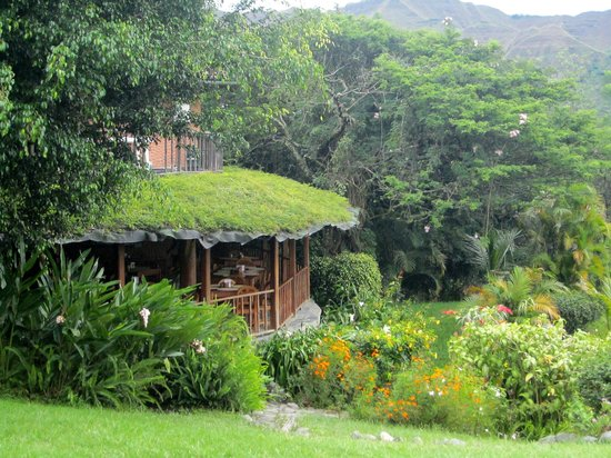Hosteria Izhcayluma: Restaurant overlooking the village