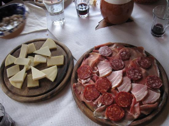 Osteria Pane & Vino: antipasto salumi e formaggi vari