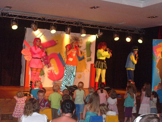 Holiday Village Algarve Balaia: Kids evening entertainment