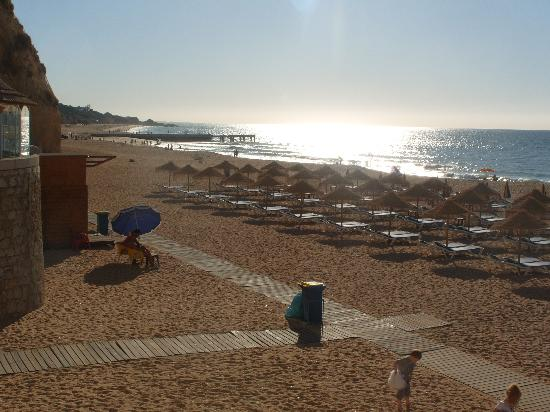 Holiday Village Algarve Balaia: Albeferia Beach at the old town