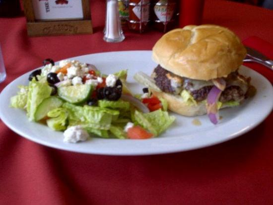 Cheachie's Grill: Best burger ever!