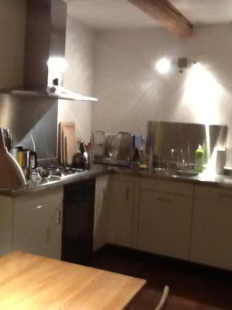 gg27 Bed & Breakfast: Küche