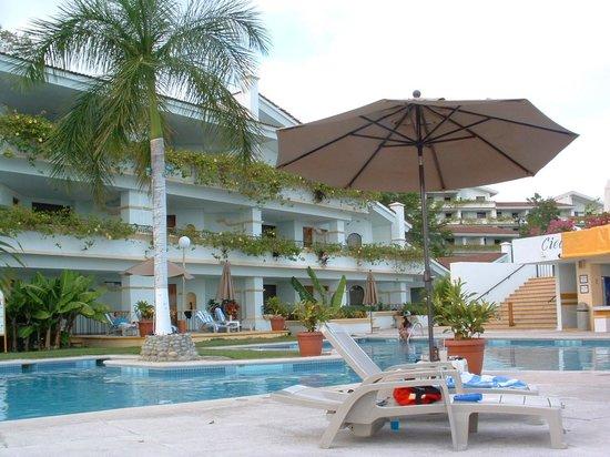 Park Royal Huatulco: 7th floor pool