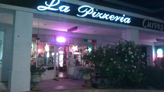 La Pizzeria: it is not  only pizza  try the food