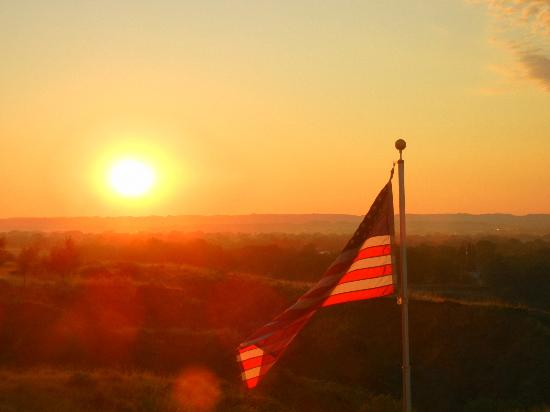 Yellowstone Bluffs B&B: Beautiful morning view