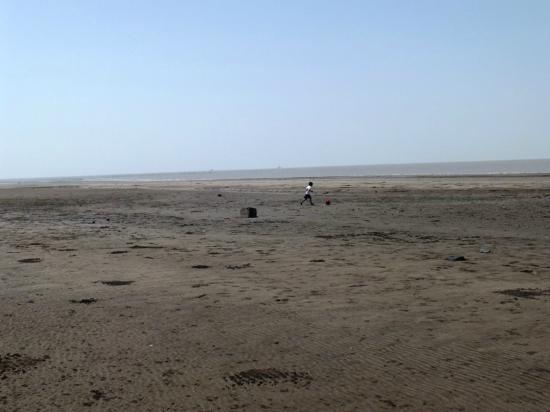 Suvali Beach: S7