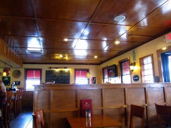 Roasthouse Pub: inside the restaurant