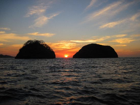 Occidental Grand Papagayo by Barcelo: Sunset Catamaran cruise