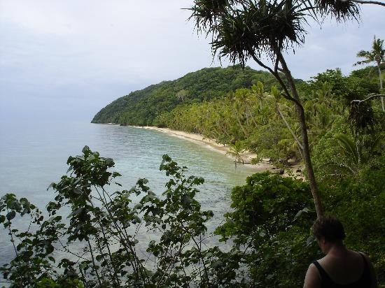 Namena Island Dive Resort: A hike around the island