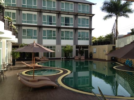 A-Te Chumphon Hotel: nice pool for sure