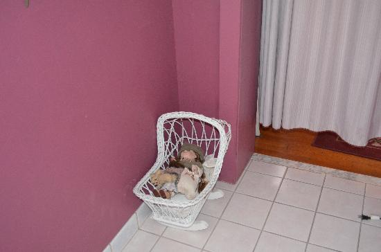 Farnsworth House Inn: The creepy toy cradle that was rocking by itself!
