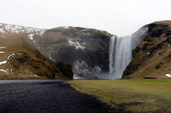 Iceland Horizon: Skógafoss