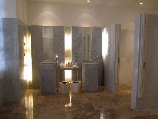 Beloved Playa Mujeres Lobby Bathroom