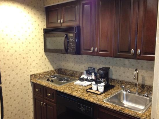 Homewood Suites by Hilton Albuquerque Airport: great kitchen area