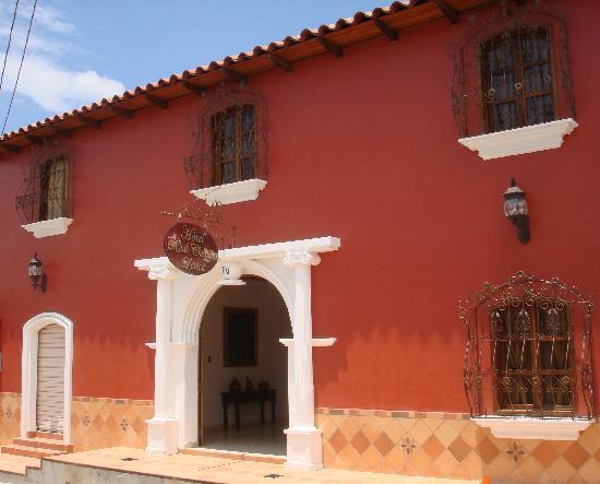 Hotel Real Camino Lenca: FACHADA PRINCIPAL