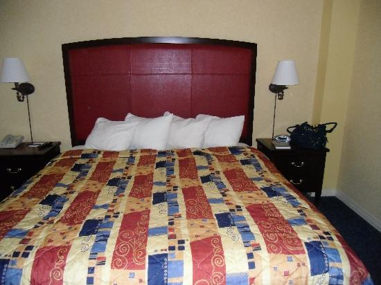 Hollywood Casino Lawrenceburg Hotel: King Bed