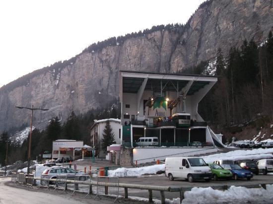 Hotel Neige et Roc : Cable Car at 50 yards from Chalet Neige Roc Morzine-Avoriaz