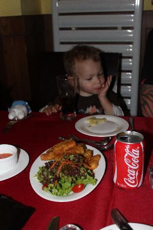 Druid's Irish Pub & Restaurant : Chillin at Druids with some yummy food